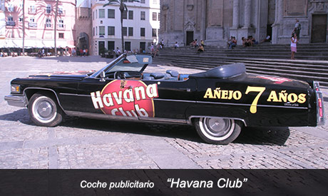Coche descapotable publicitario Havana Club